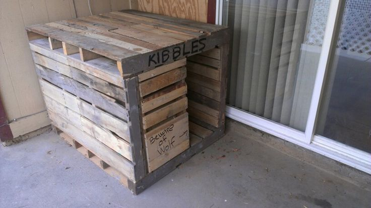 how to build a large pallet dog house