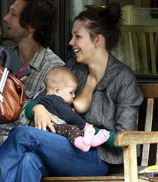 Maggie Gyllenhaal breastfeeding in public
