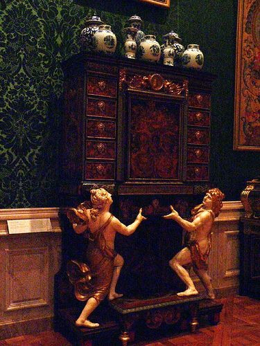 Oak veneered with marquetry cabinet on stand French 1675 Boulle 1