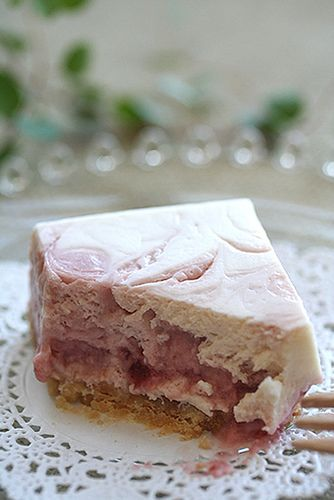 Pin by Baby Cakes on Strawberry Cakes | Pinterest
