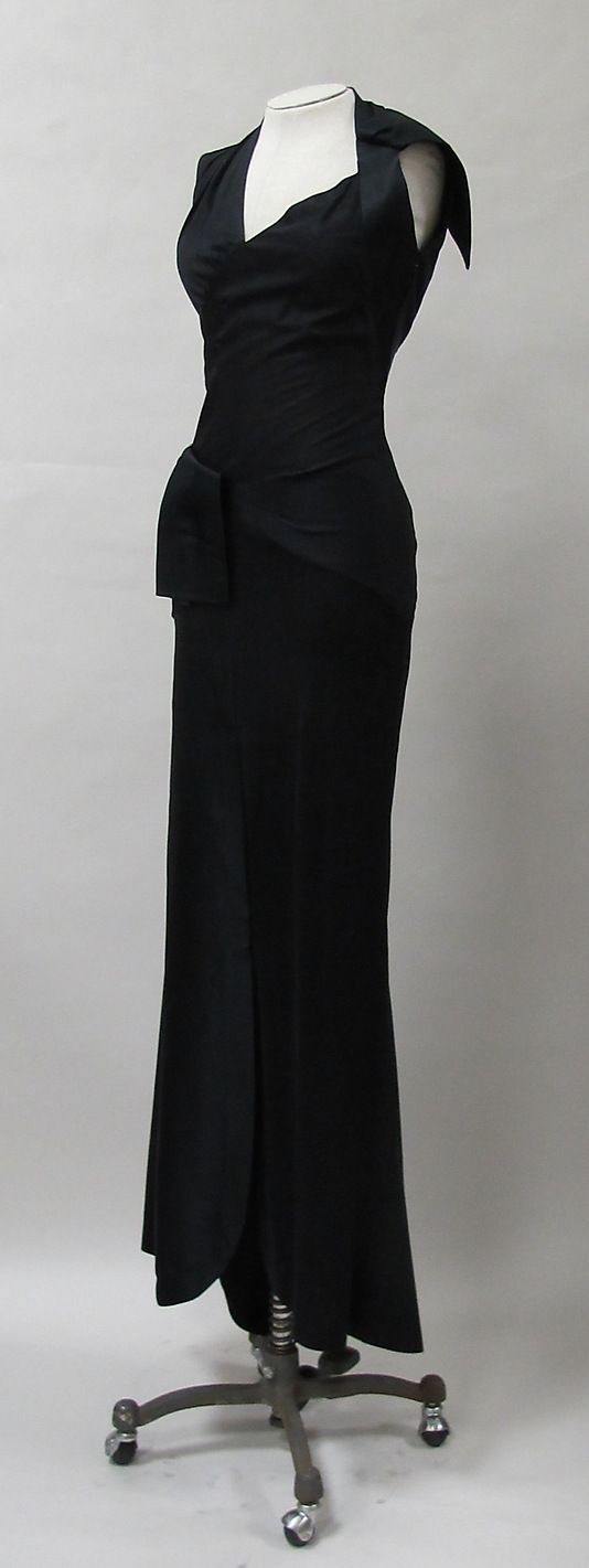 Evening Dress, Charles James, ca. 1944, silk  -The Metropolitan Museum of Art  2013.321