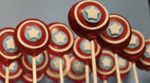 Captain America Cake pops.   Pinned for Kidfolio, the parenting mobile app that makes sharing a snap