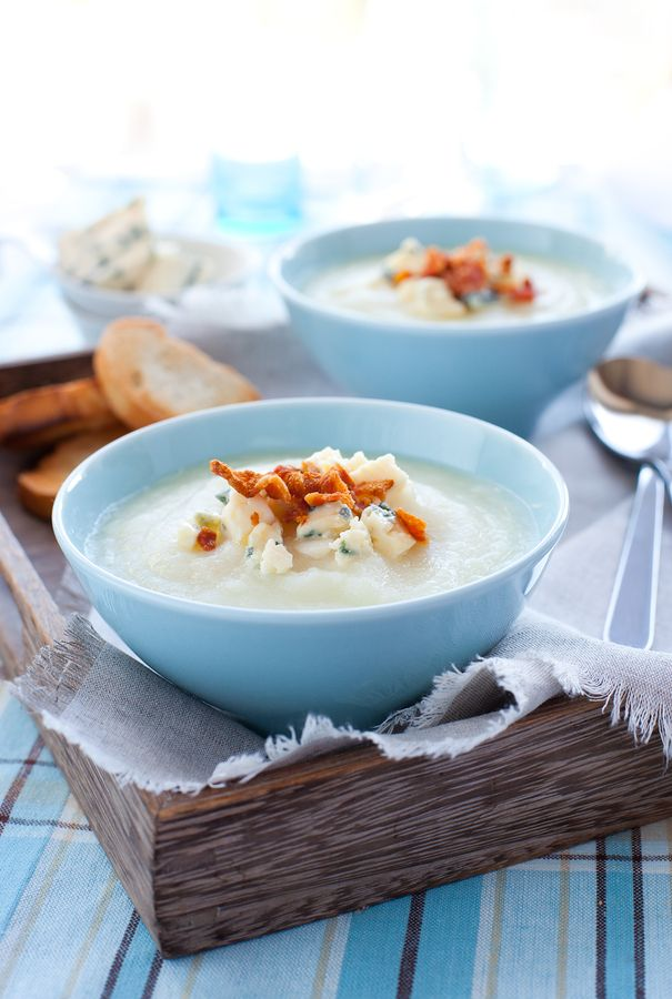 Cauliflower Soup with Bacon and Gorgonzola