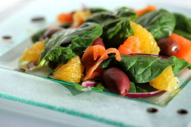 Spinach and lightly smoked salmon salad with balsamic vinegar ...