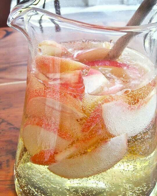 Peach sangria | eat, drink & be merry | Pinterest