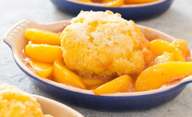 Southern Treat: Gluten-Free Peach Cobbler with Cornmeal Biscuits