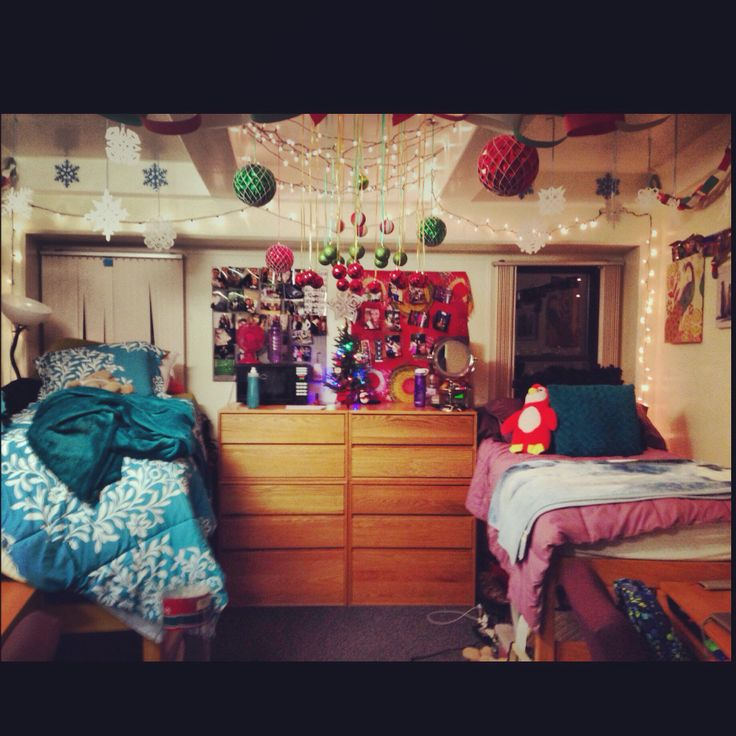 Decorating Ideas > Christmas Dorm Room  Dorm Room Ideas!  Pinterest ~ 231020_Dorm Room Christmas Decorations