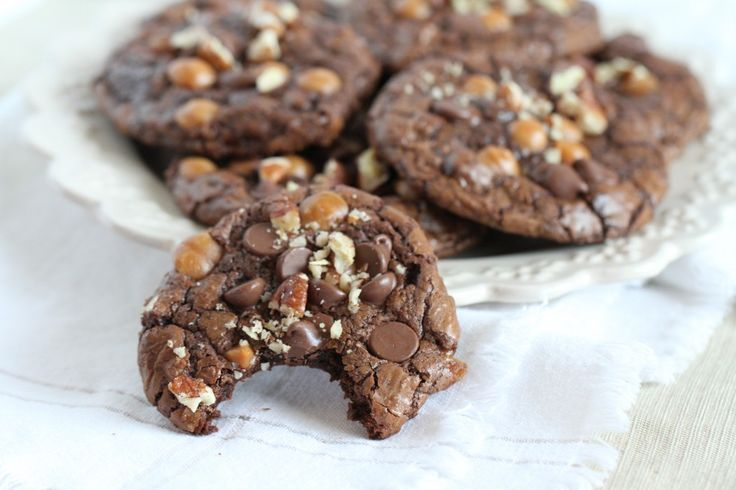 chocolate turtle cookies | Food - Cookies, Brownies, Bars | Pinterest