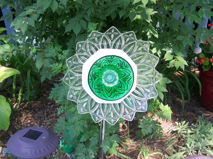 Gorgeous unique vintage glass plate flower or suncatcher for Flowers made of glass