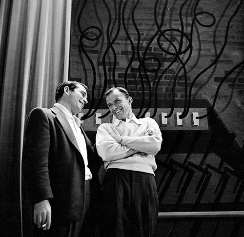 Frank Sinatra and Perry Como, backstage at The Frank Sinatra Show, 1951