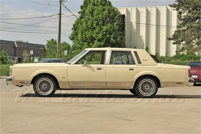 1984 lincoln town car lincoln continental 1980 2009 pinterest. Black Bedroom Furniture Sets. Home Design Ideas
