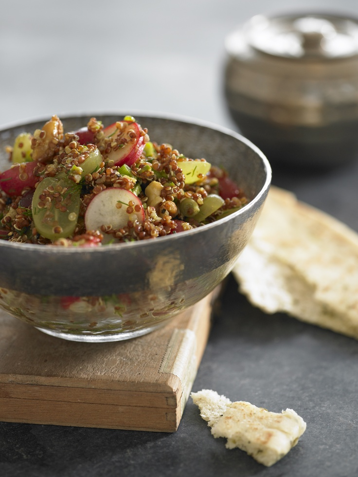 Healthy Quinoa and Grape Curry Salad made with Grapes from California