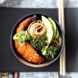 Udon Noodles with Miso Glazed Salmon, Avocado and Crispy Kale