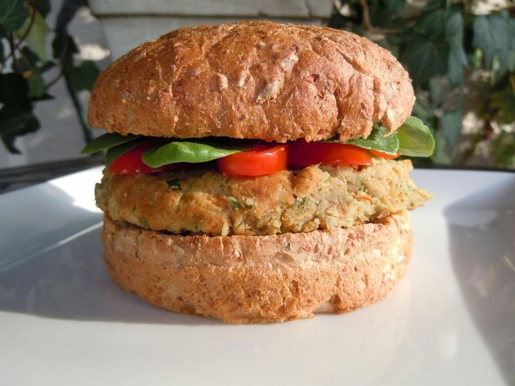 Vegetarian Falafel Burgers Weight Watchers PointsPlus 4 » Nutmeg ...