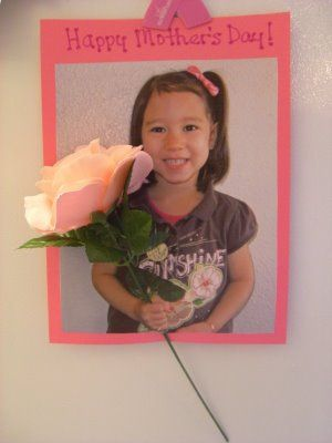 Cute photo gift with flower for mom #mothersday #preschool #craft
