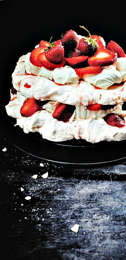 Strawberry Pavlova - another stunnning dessert named after Russian ...