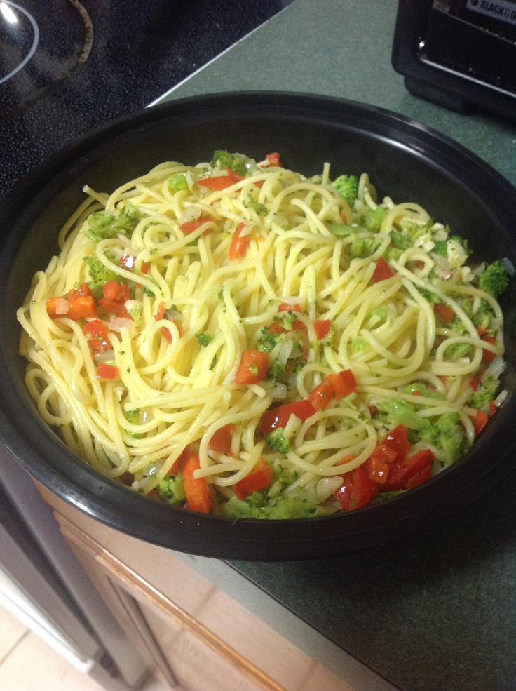Angel hair pasta with garlic, onion, red bell pepper, and broccoli ...