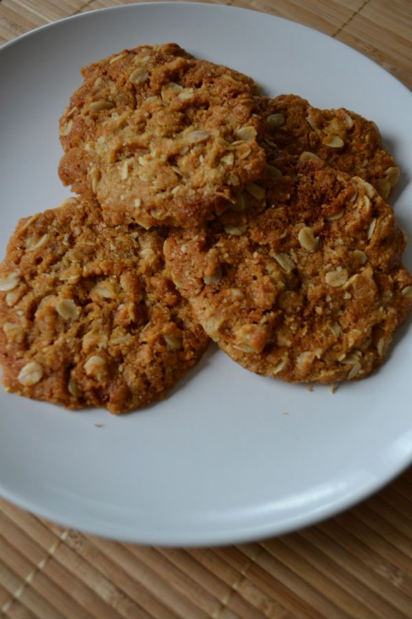 ANZAC biscuits. Recipe for a no-egg cookie. Classic Australian baking.