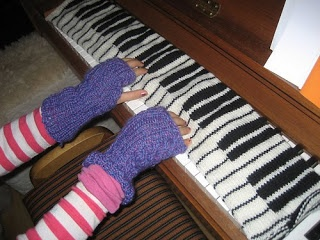 Knitting Pattern Piano Keyboard : Knitting Pattern Piano Key Scarf, Shadow Or Illusion Knitting Images - Frompo