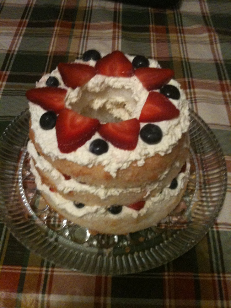 Red, white & blue Angel food cake (layers: whipped sugar free white ...