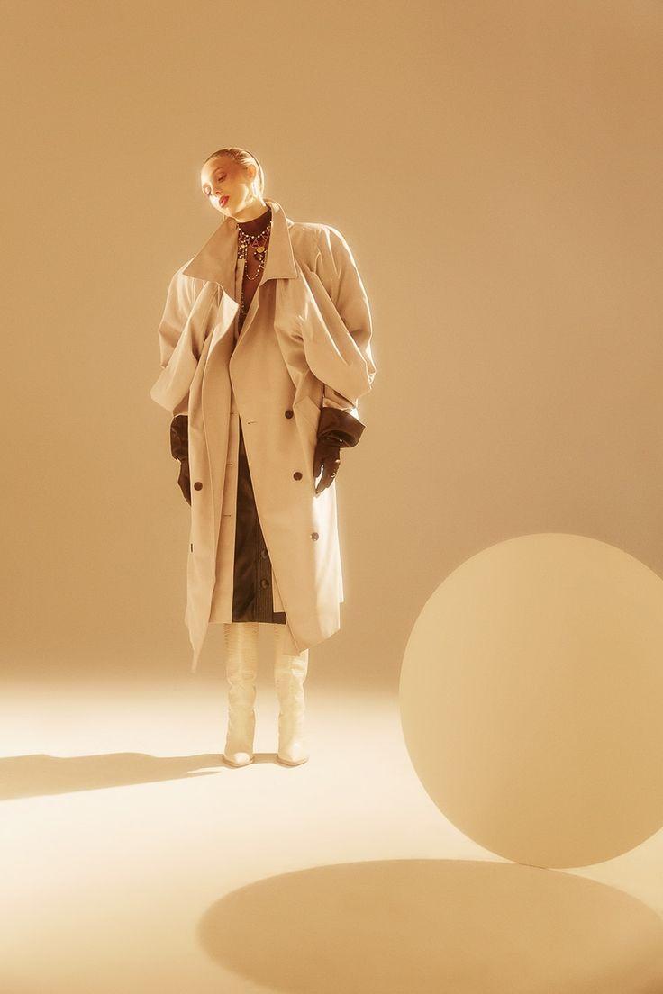 Editorial fashion stylist jobs 82