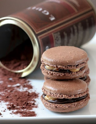 Snickers Macarons- Tartelette | ⁓2 play with food;) | Pinterest