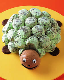 Use this recipe to make the Minty Chip Sea Turtle ice-cream cake.