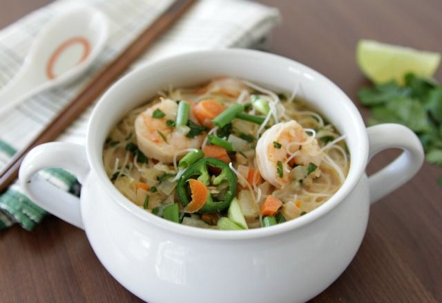 The Lovely Cupboard: Weeknight Dinner: Thai Shrimp and Noodle Soup