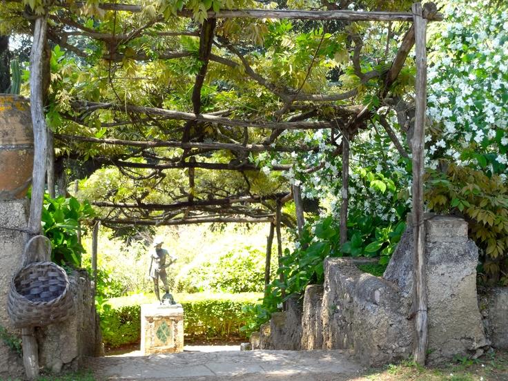 Trellis. Villa Cimbrone - Ravello, Italy.