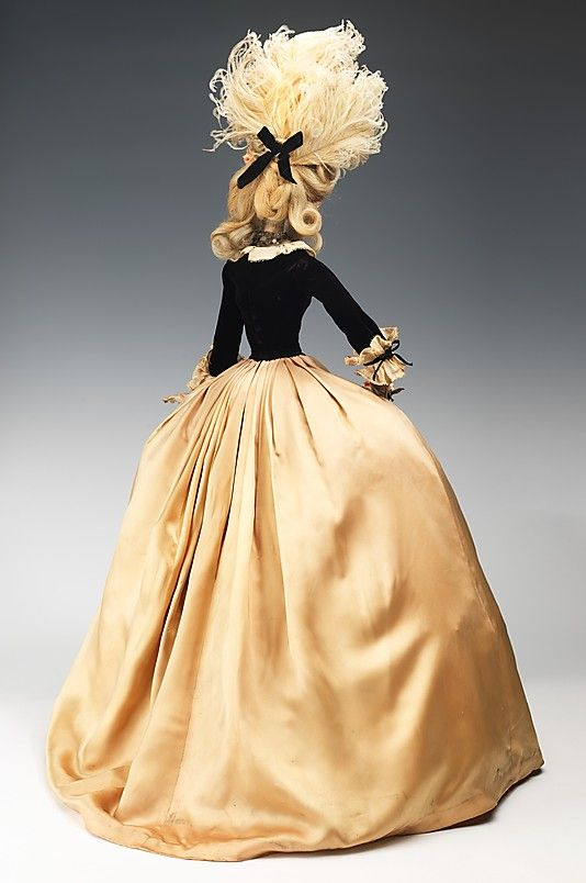 1774 Кукла Жан Desses (металл, гипс, волосы, шелк, перья, кожа, стекло, и хлопок), 1949.  ММА