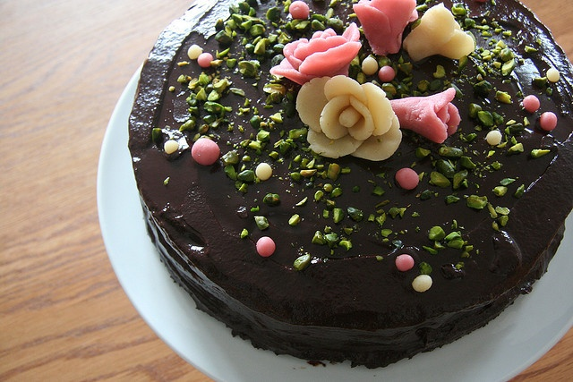 Pistachio Petit Four Cake by ZarahMaria, via Flickr,delicius