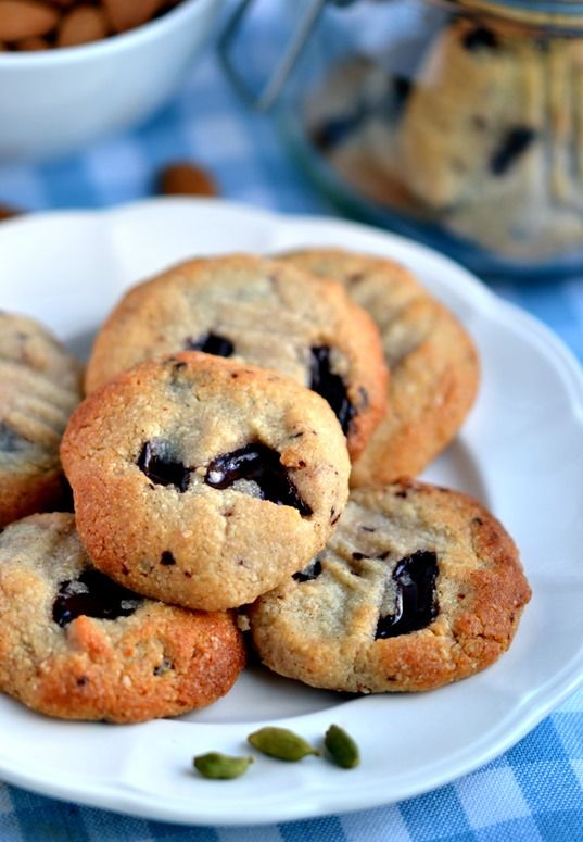 Almond, Cardamom & Chocolate Chunk Cookies - Coconut and Berries