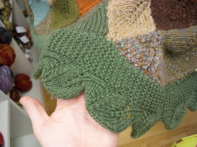 Falling Leaves Knitting Pattern : Falling leaves afghan free pattern knitted afghans and pillows Pi?