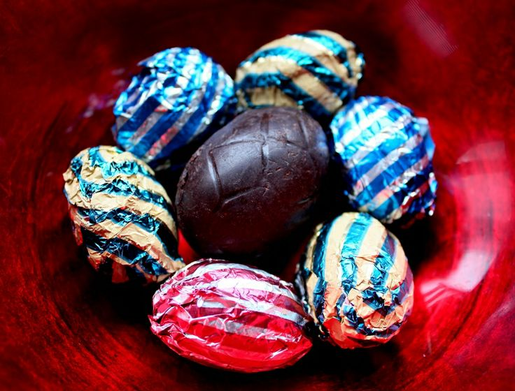 Chocolate caramel Easter eggs | Nibl recipes | Pinterest