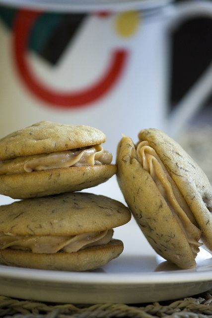 Peanut Butter filled Banana Whoopie Pies | Cookies | Pinterest