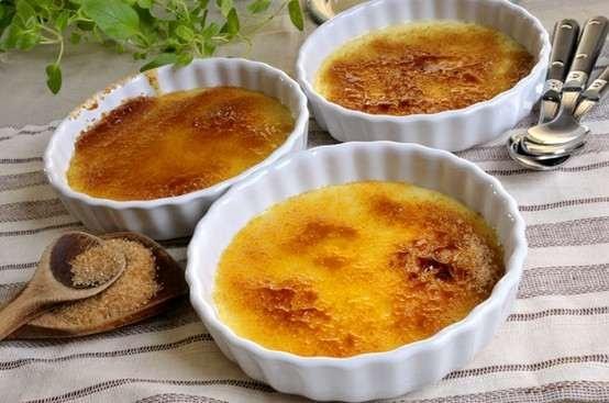 Vanilla bean creme brulee. | Sweet Treats | Pinterest
