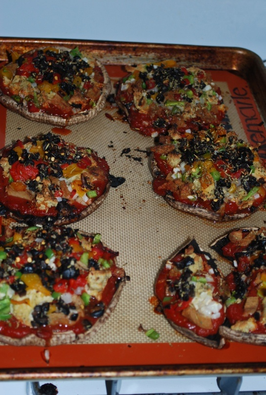 Portobello Mushroom Pizzas. MY MOUTH IS WATERING. this looks sooo fire ...