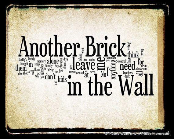 decomposition of another brick in the Dvd d'apprentissage pour guitare pour apprendre 5 de leur meilleures chansons, note par note, etape par étape, durée de plus de 3 heures, en langue anglaisetitres: another brick in the wall, comfortably numb, money.