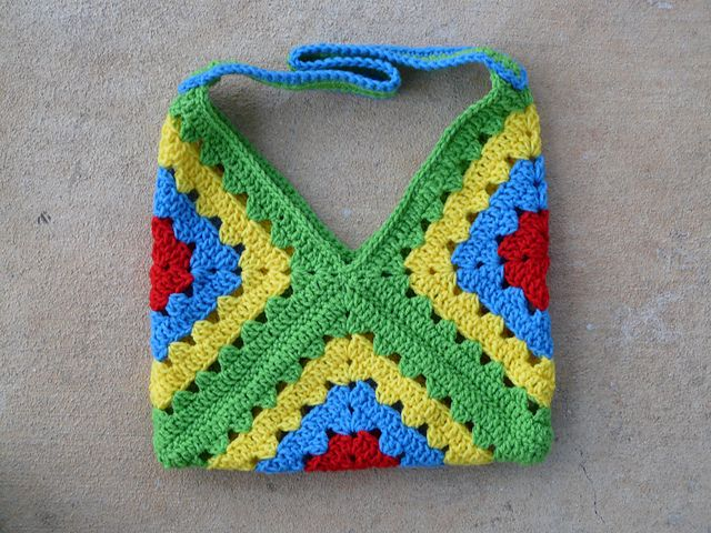 ... square, granny bag. Free pattern. Ravelry. luv these type of bags
