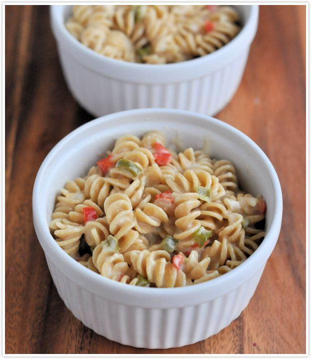 Red, White & Green Holiday White Cheddar Macaroni and Cheese #Recipe