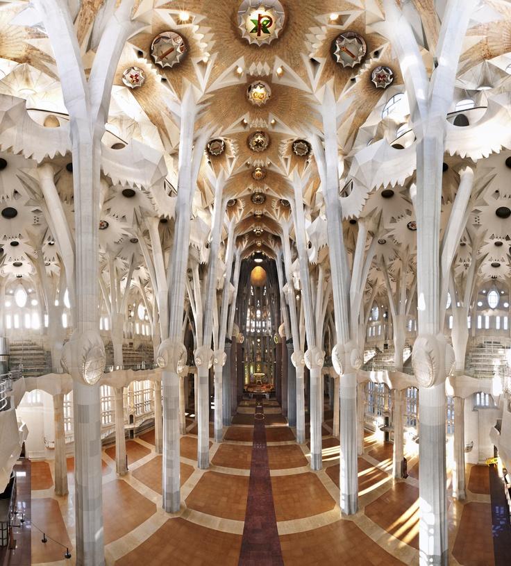 Sagrada fam lia interior sagrada familia pinterest - Sagrada familia interieur ...