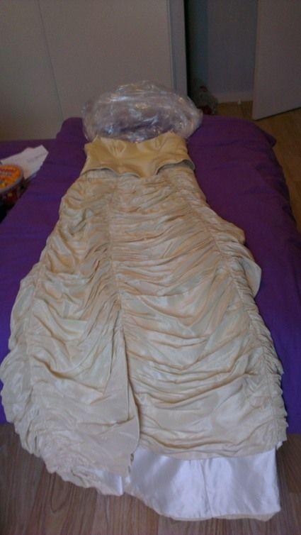 Robe de mariée unique mordorée  Robes de mariée et articles de ...