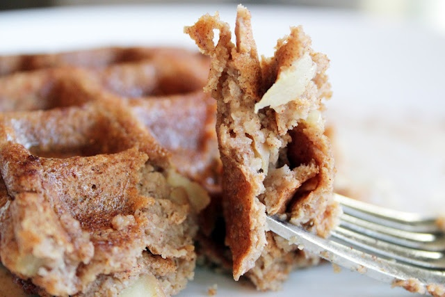 Apple Pie Waffles (GF/V) ~ The Skinny Weigh