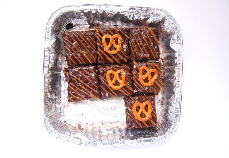 Fudgy Salted Caramel Pretzel Brownies | sweet-lab recipes | Pinterest
