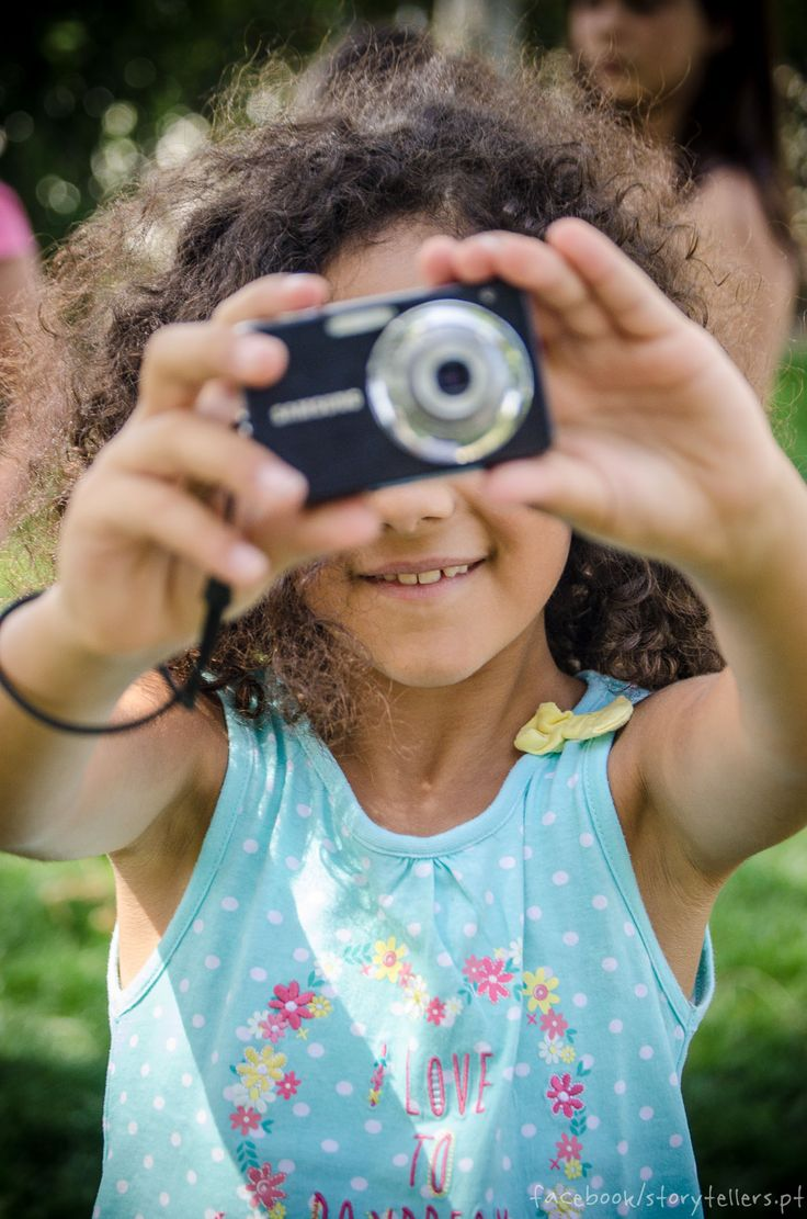 kids with camera