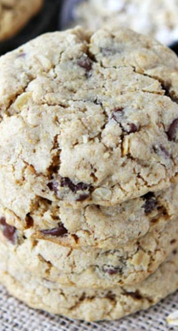 Whole Wheat Toasted Oatmeal Chocolate Chip Cookies | Recipe