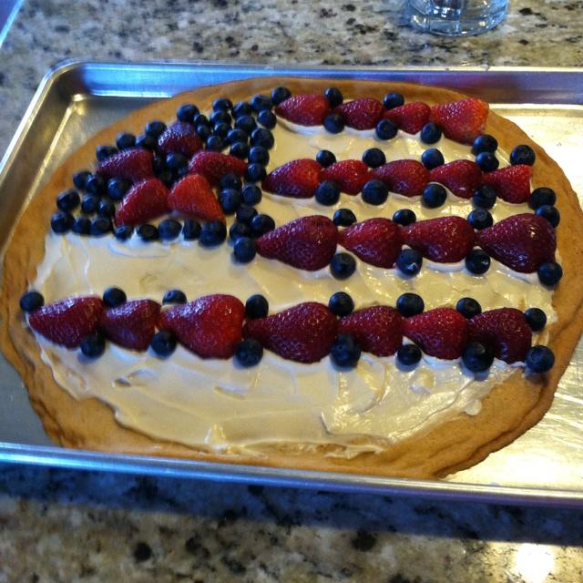Flag fruit pizza | Cakes, Cupcakes, & Such | Pinterest