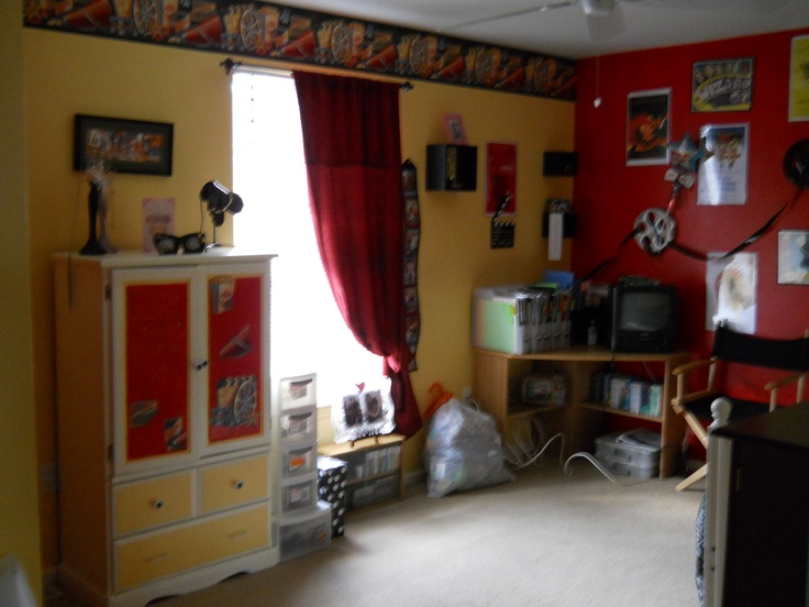 my daughters hollywood themed bedroom dream of filmmaker