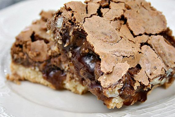Pecan Pie Bars with Chocolate and Bourbon by ezrapoundcake #Chocolate #Pecan #ezrapoundcake