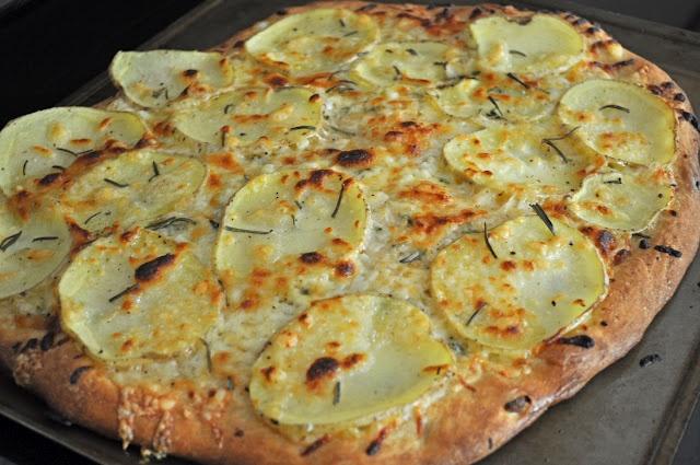 ... Pizza http://tummytemptations.blogspot.com/2012/05/rustic-potato-pizza